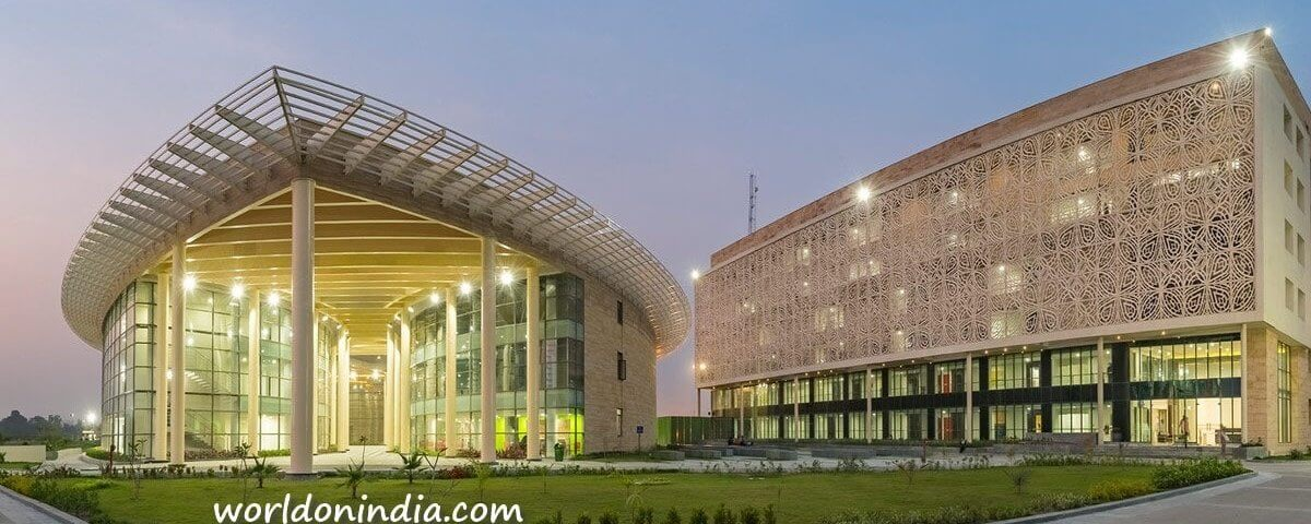 Amity University Kolkata image
